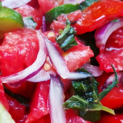5-Minute Tomato cucumber salad with mint