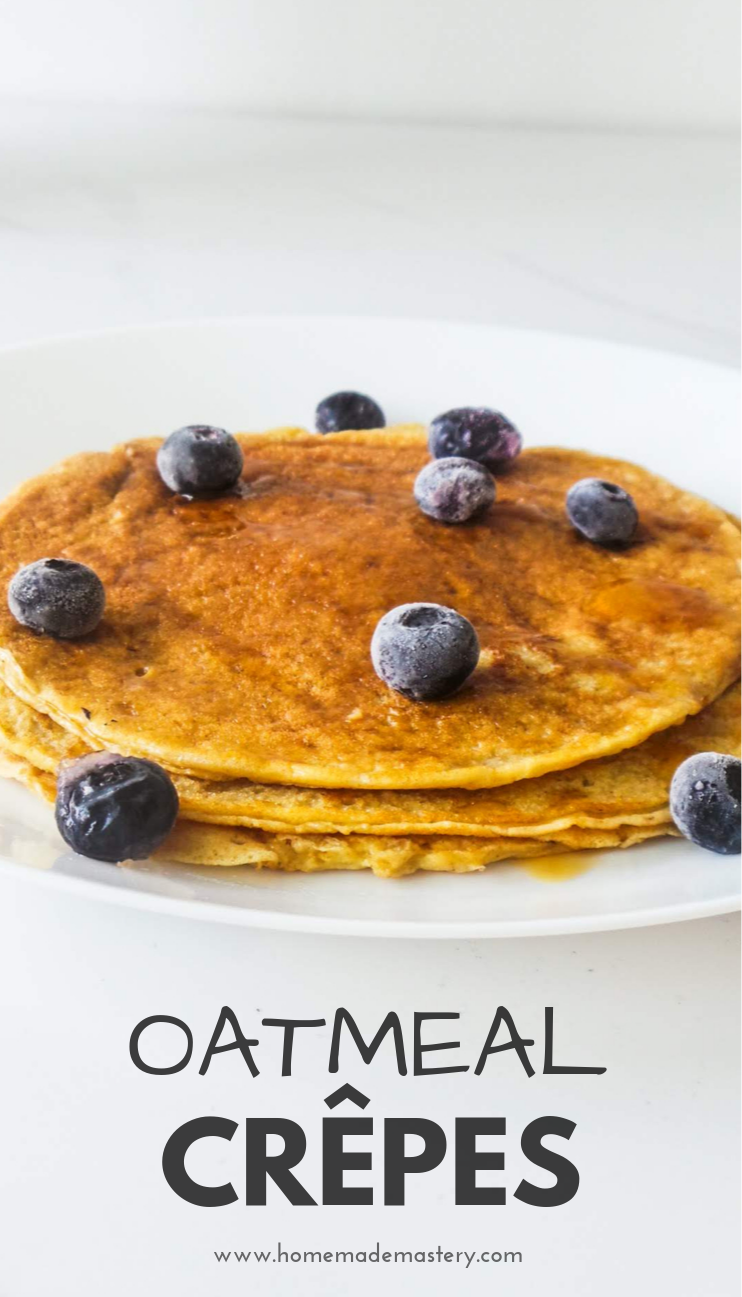 Easy oatmeal crepes! This is a healthy and easy crepe recipe, made with oats, without flour! Super delicious, use your favorite fillings like fruit, jam, honey and walnuts, Nutella or fill it with cheese for a healthy savory breakfast! | healthy oatmeal pancakes
