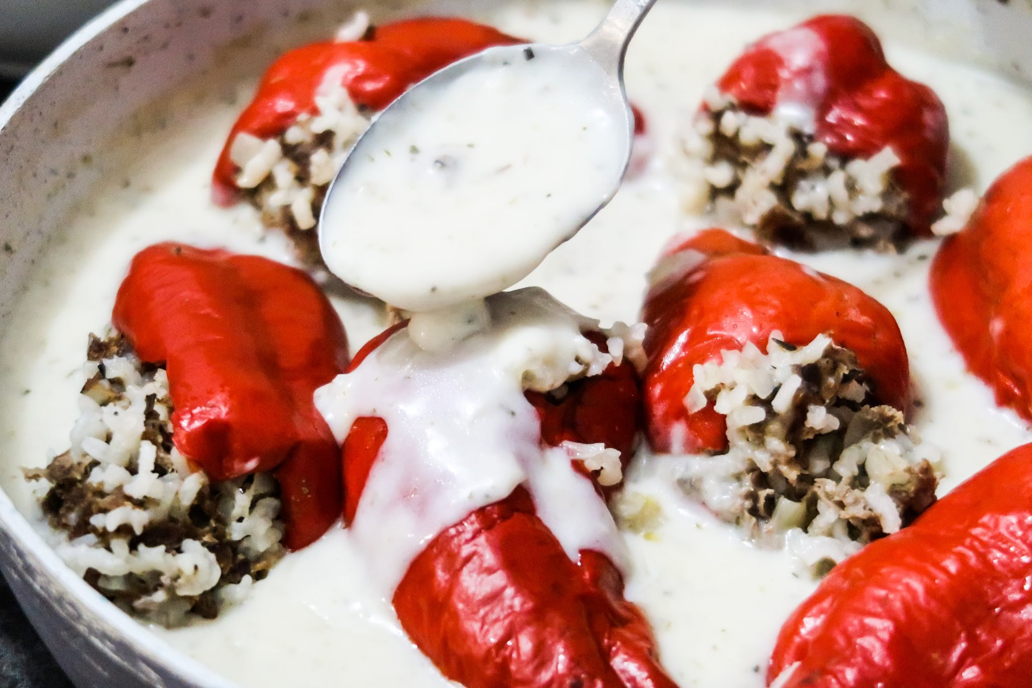 Homemade easy stuffed peppers! This stuffed peppers recipe is perfect for a healthy dinner and if you're not sharing with others - great meal prep dinner recipe that you can reheat in the microwave!