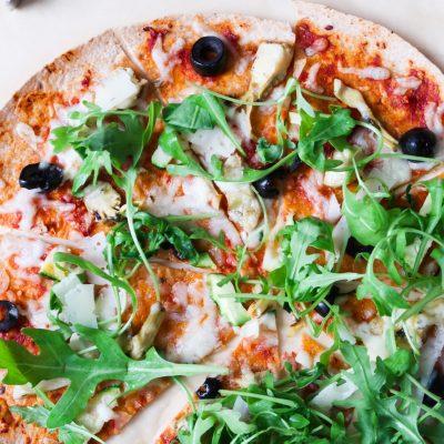 10-Minute Vegetarian Tortilla Pizza