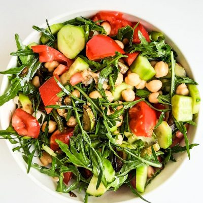 Tomato, Arugula, Chickpea Salad (Healthy Lunch Recipe!)