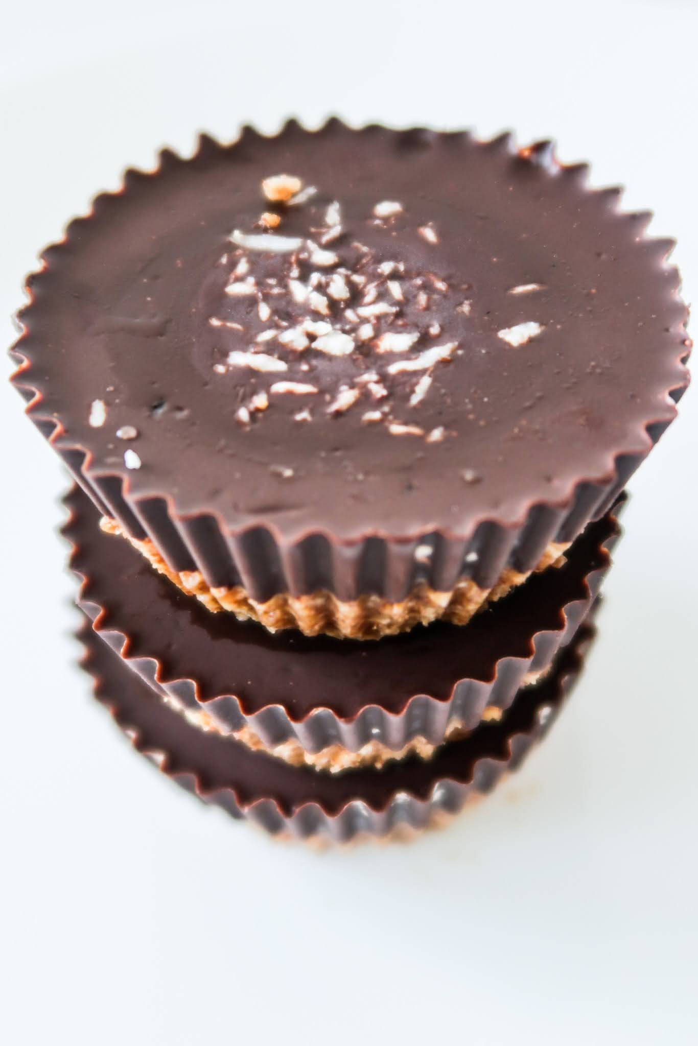 If you're looking for some easy healthy breakfast ideas that you can make ahead and eat on the go, you've just found the perfect easy breakfast recipe! These are some healthy breakfast peanut butter cups that are filling and actually good for you! Perfect easy snack idea on the go too!