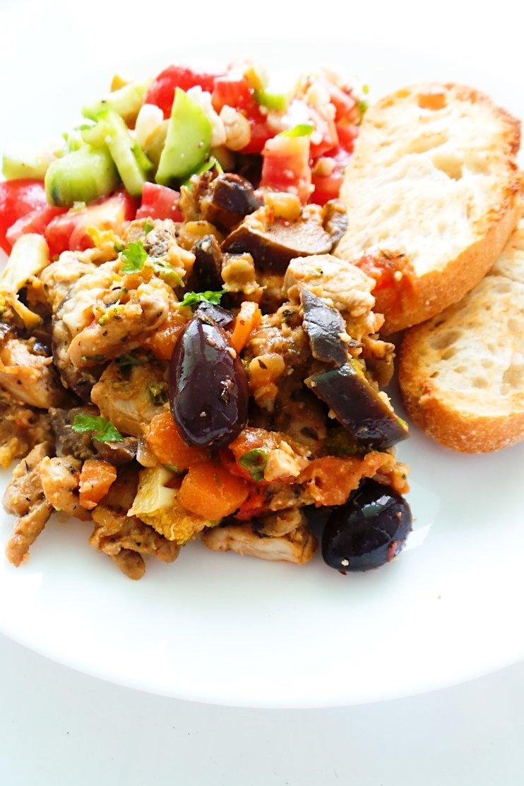 High protein One pan Mediterranean chicken recipe