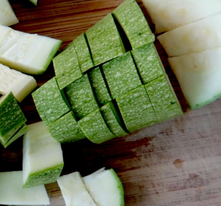 Step 1: Healthy pesto eggs - chop zucchini