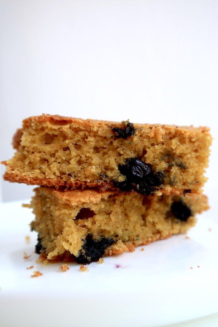 Easy Blueberry Oatmeal Cake