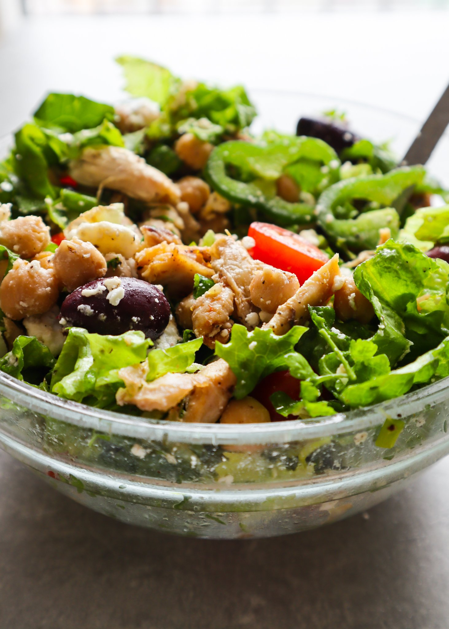 This fresh and healthy Mediterranean chickpea and chicken salad recipe is packed with vegetables, protein and flavor! Perfect filling and nutritious healthy lunch recipe!