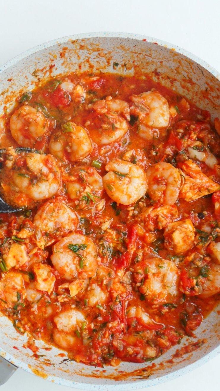 easy garlic shrimp in tomato sauce