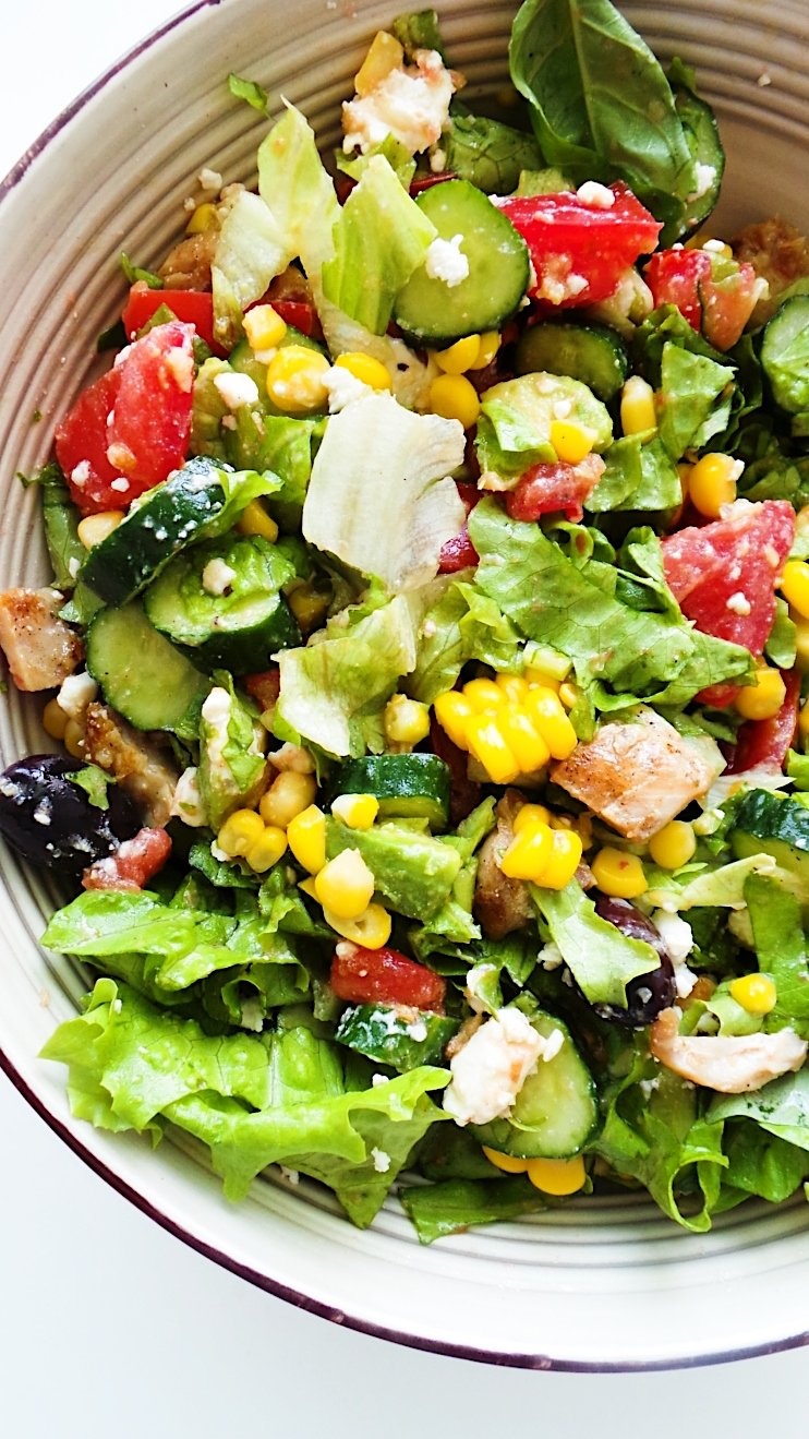 summer tomato salad with everything
