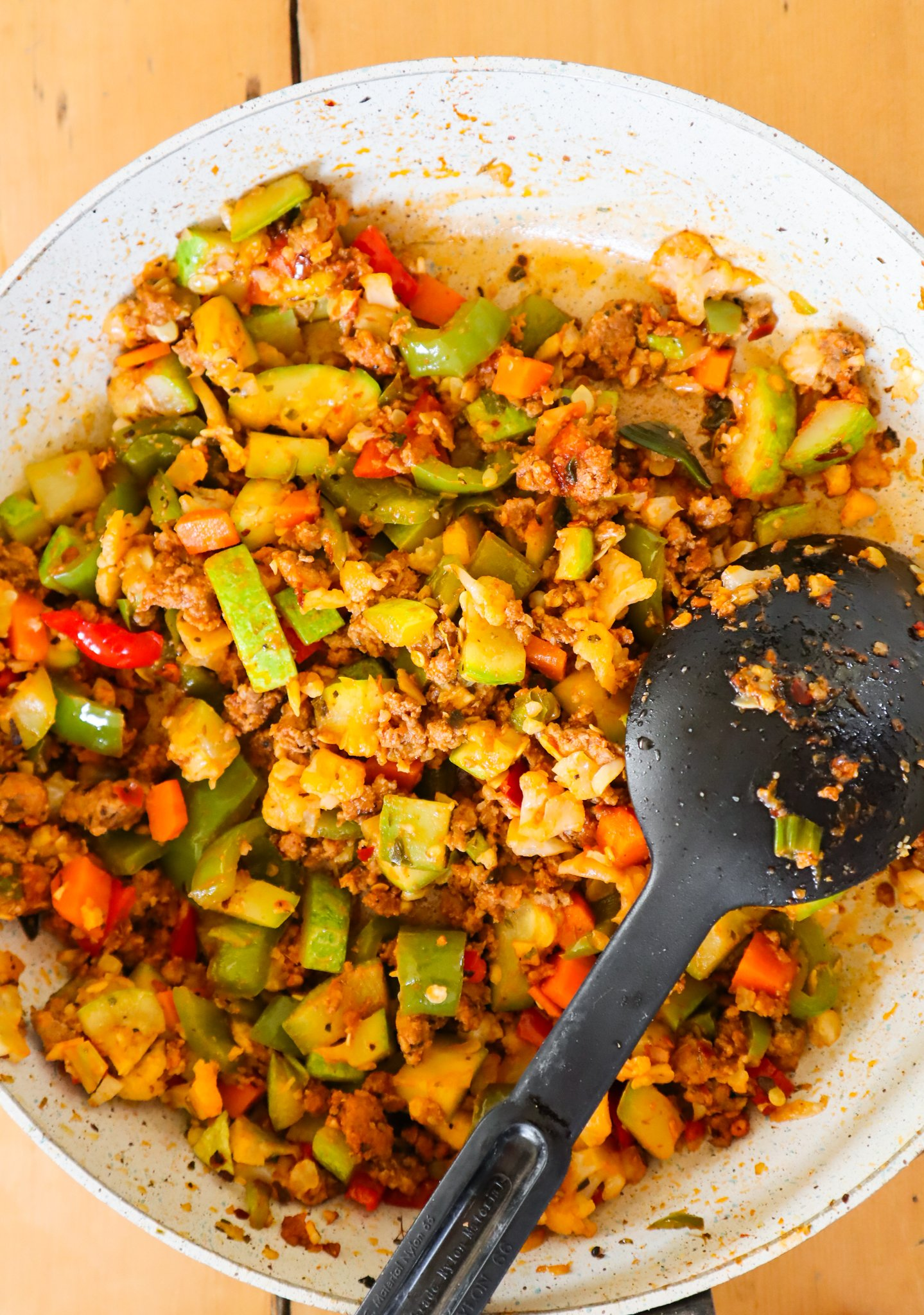 This healthy ground beef and vegetable skillet is an easy and healthy low carb dinner idea with ground beef that you can make in about 20 minutes! Chop up some vegetables, heat up the pan and your delicious, flavorful dinner is ready. Serve this healthy ground beef recipe with some rice or avocado and fresh herbs to keep it low carb.